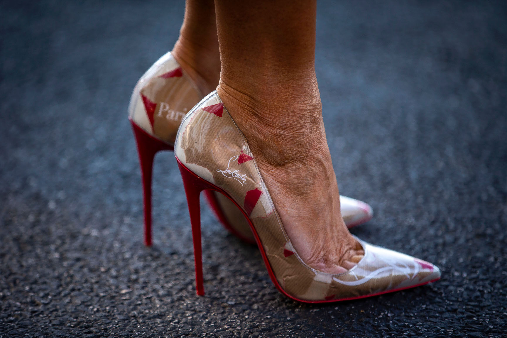 WASHINGTON, DC - JULY 10: The shoes of First lady Melania Trump, on the South Lawn of the White House, on July 9, 2018 in Washington, DC. Trump is heading to Brussels for the NATO Summit. (Photo by Al Drago/Getty Images)