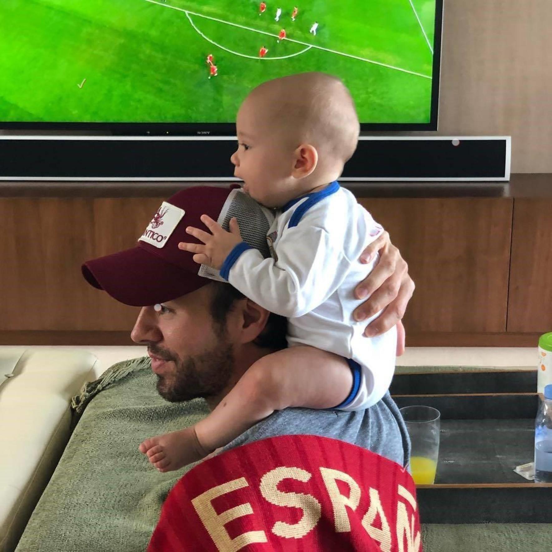 Enrique Iglesias (enriqueiglesias / 15.06.2018): #worldcup #spain #portugal