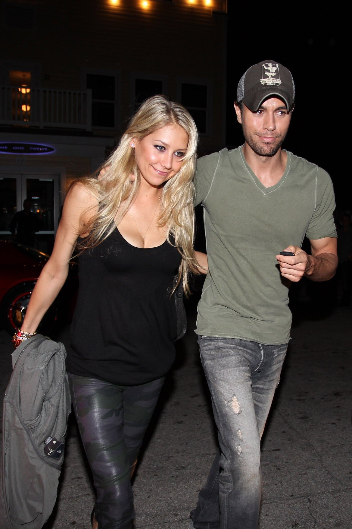 47463, SOUTH BEACH, FLORIDA - Saturday November 13 2010. Anna Kournikova and Enrique Iglesias enjoy a Saturday date night at South Beach's Prime One Twelve Italian restaurant. Enrique recently said he never plays tennis against his glamorous girlfirend - because she always wins!, Image: 87436162, License: Rights-managed, Restrictions: , Model Release: no, Credit line: Profimedia, Pacific coast news