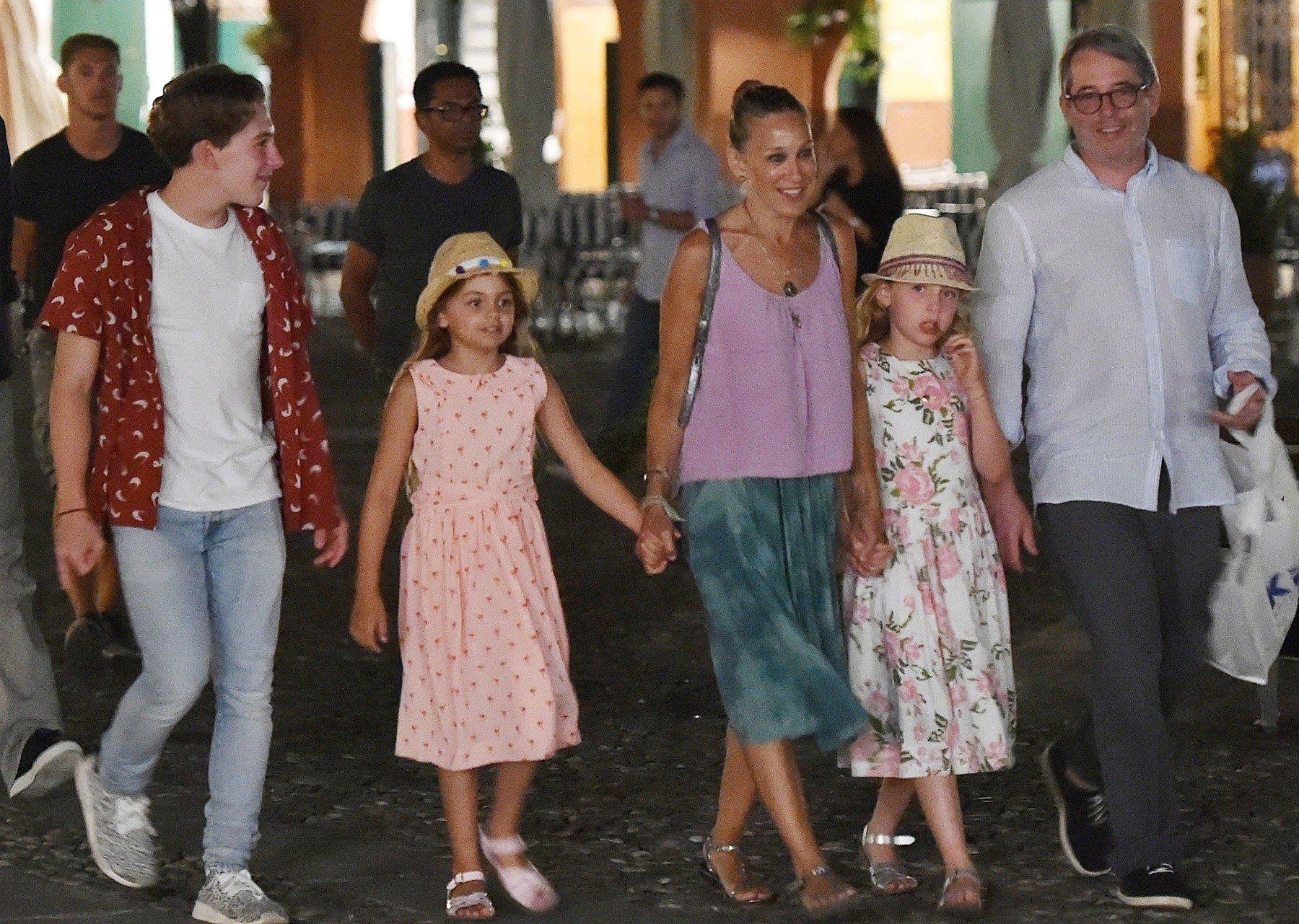 Glumački par Sarah Jessica Parker i Matthew Broderick odmaraju u Portofinu s cijelom obitelji: s blizankama Tabithom i Marion te sinom Jamesom.