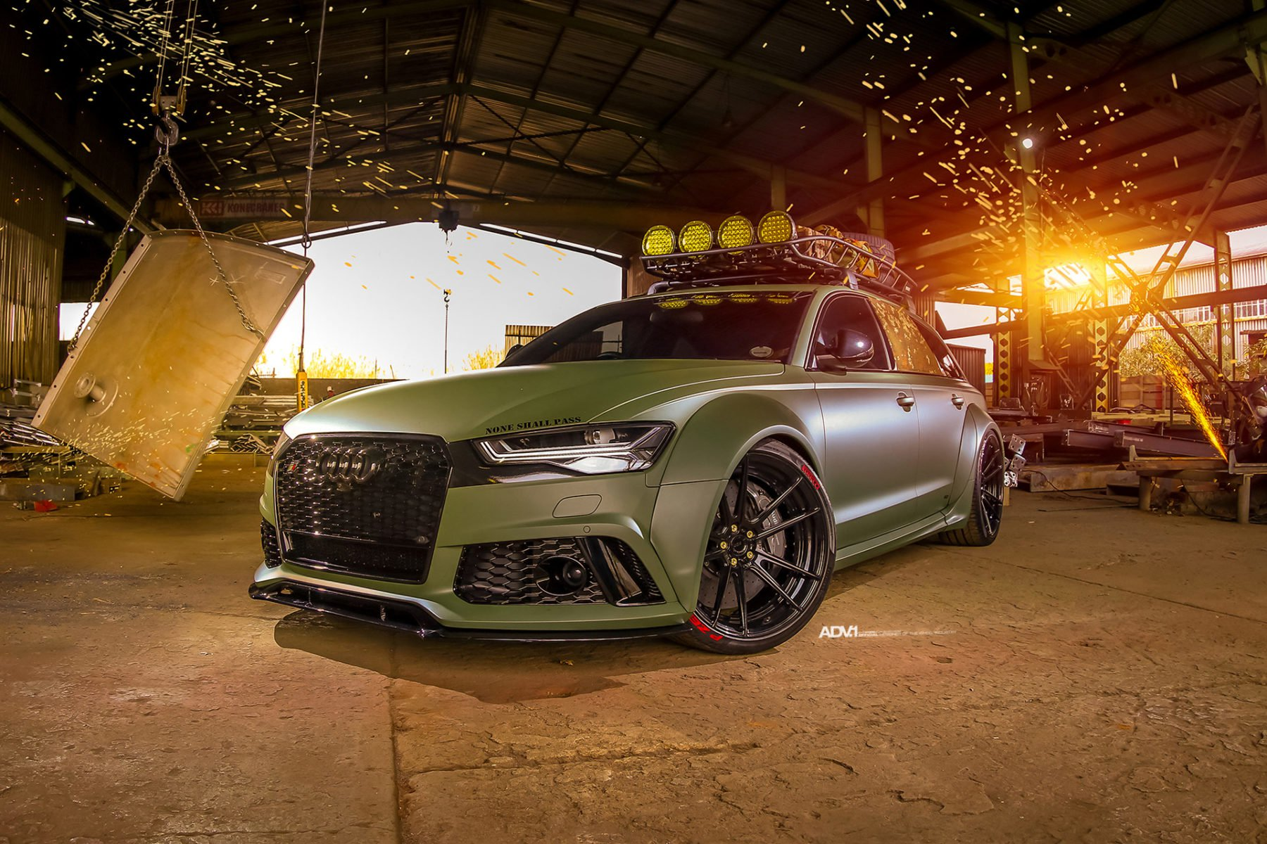 bf5a6557-audi-rs6-green-1