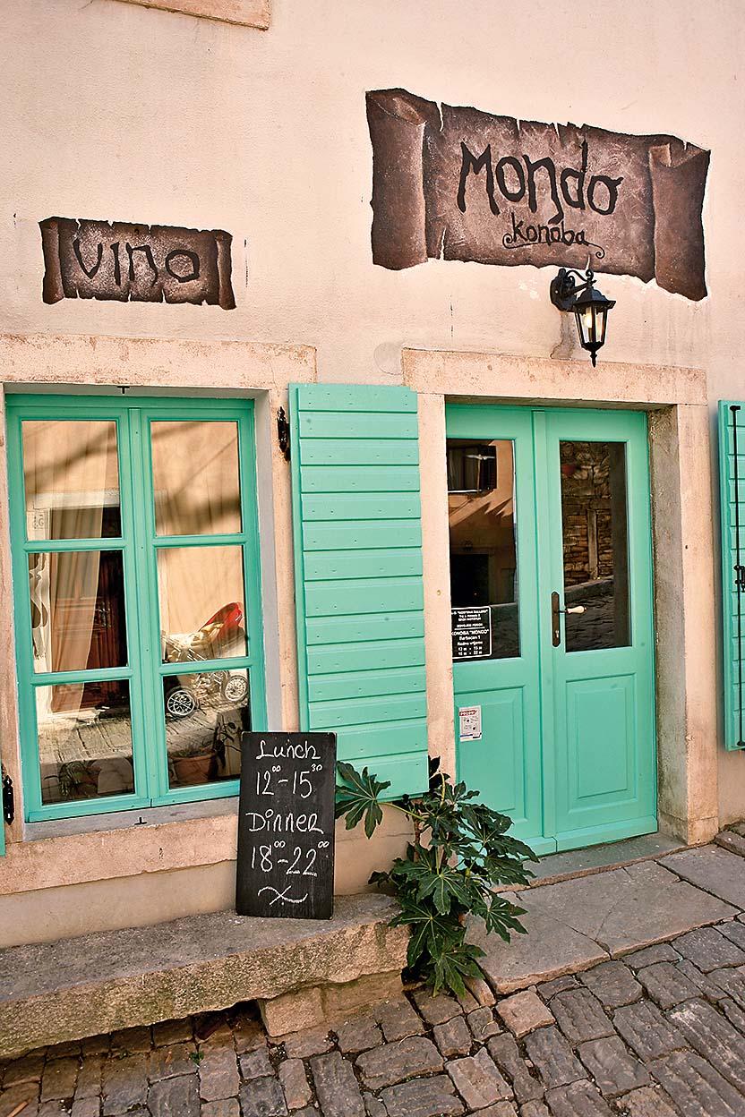 11032009 MOTOVUN  kuhinja Restoran MONDO - giacomo sutera Foto Mario Kucera gloria 741