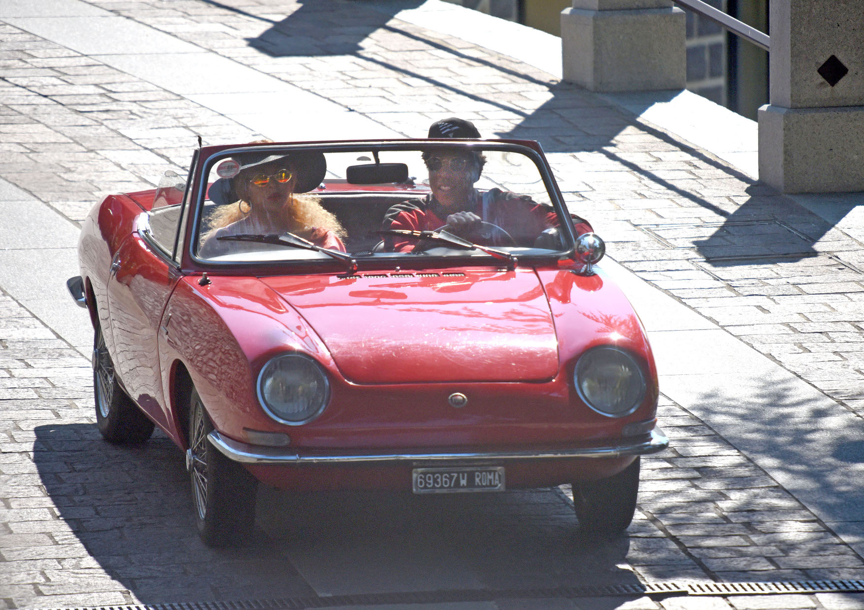 Beyonc? and Jay-Z are seen on a vintage red car on July 07, 2018 in Lake Como, Italy.  *MAILONLINE OUT*  Pictured: Beyonc? and Jay-Z Ref: SPL5008738 080718 NON-EXCLUSIVE Picture by: SplashNews.com  Splash News and Pictures Los Angeles: 310-821-2666 New York: 212-619-2666 London: 0207 644 7656 Milan: +39 02 4399 8577 Sydney: +61 02 9240 7700 photodesk@splashnews.com  World Rights, No France Rights, No Italy Rights, No Switzerland Rights