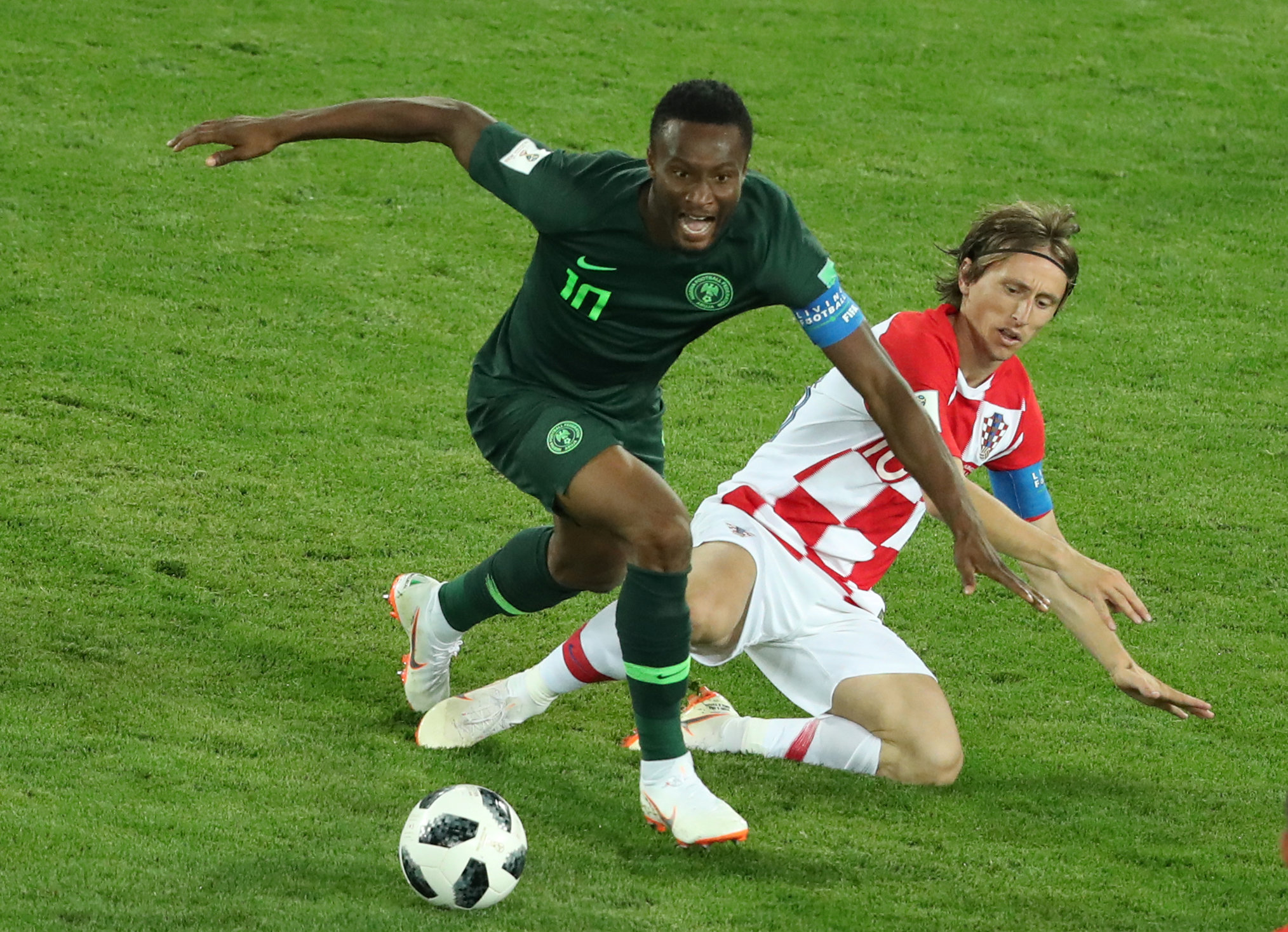 2018-06-16T201354Z_1089101970_RC1EFAE798F0_RTRMADP_3_SOCCER-WORLDCUP-CRO-NGA