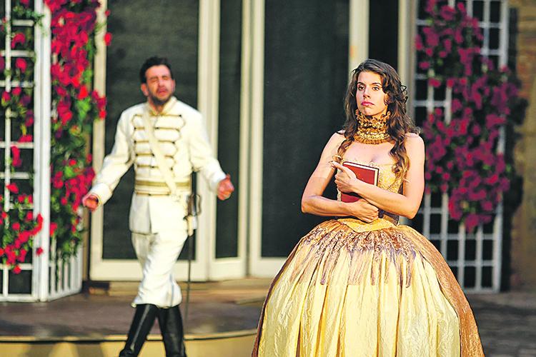 Mada Peršić kao kontesa Nera i Janko Popović Volarić kao Siniša u 'Gričkoj vještici'