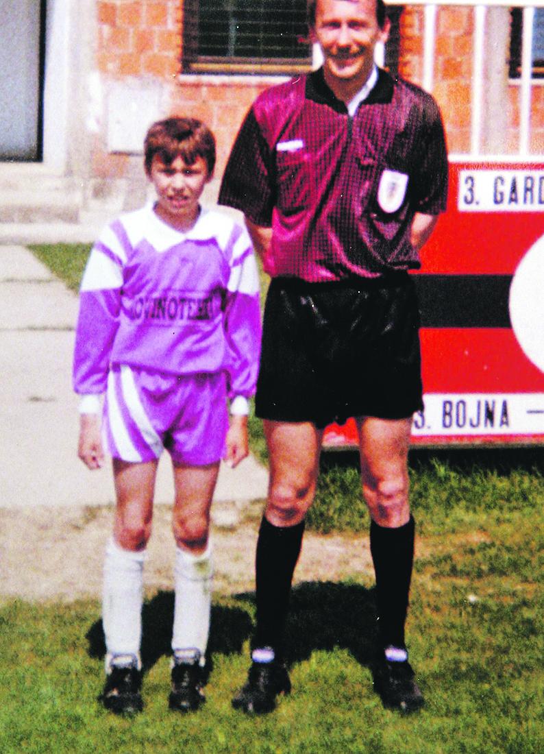 Slavonski Brod, 061007. Mario Mandzukic s ocem Matom. Presnimio : Danijel Soldo / CROPIX