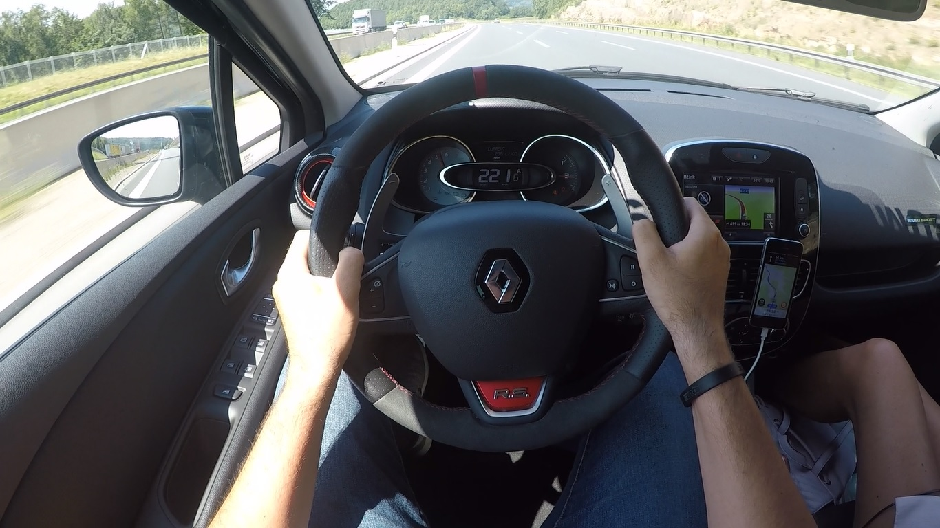 clio rs autobahn max speed