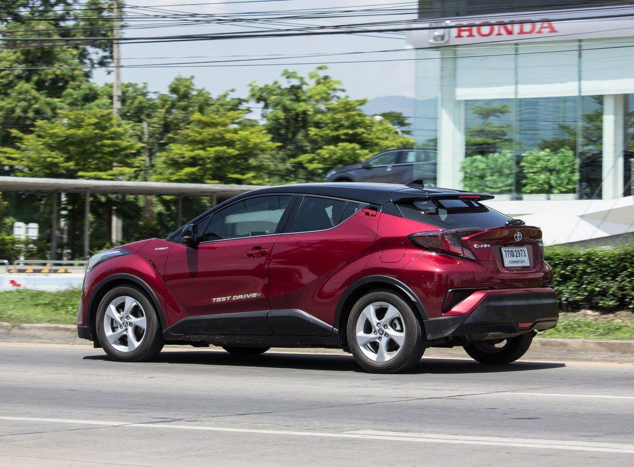 Toyotin SUV hibrid