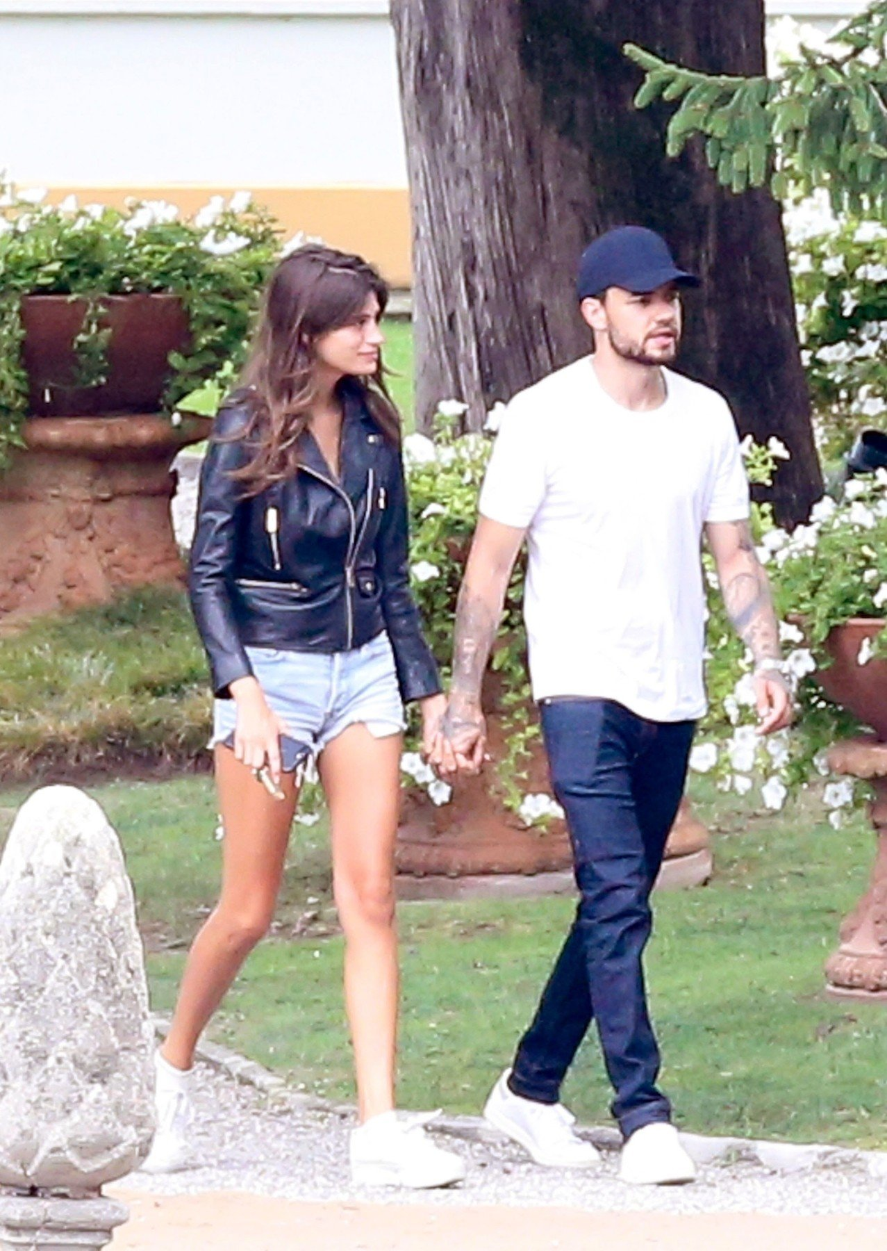 BGUK_1309664 - ** RIGHTS: WORLDWIDE EXCEPT IN FRANCE, ITALY, SPAIN, SWITZERLAND ** Como, ITALY  - *PREMIUM-EXCLUSIVE*  - MUST CALL FOR PRICING BEFORE USAGE -STRICTLY NO ONLINE USE UNTIL 19:05 PM UK TIME ON 14/8/2018 - Cheryl's EX and One Direction singer Liam Payne pictured looking loved-up with new girlfriend Cairo Dwek during their first romantic weekend in Lake Como. The two chose one of the most romantic places in the world, Lake Como. Liam arrived in Milan-Linate yesterday morning and then went to Villa D'Este (Cernobbio). Cairo was already in the hotel in Cernobbio for a few days with a friend. Today the two left from Como to Milan, Liam left Milan-Linate while Cairo left the train from Milan Central Station.  Pictured: Liam Payne    *UK Clients - Pictures Containing Children Please Pixelate Face Prior To Publication*, Image: 382427601, License: Rights-managed, Restrictions: , Model Release: no, Credit line: Profimedia, Xposurephotos
