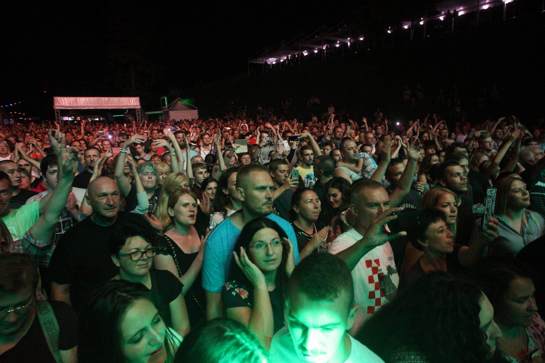 Varazdin, 170818. Poceo je 20. Spancirfest, najveci festival u kontinentalnoj Hrvatskoj na kojem nastupa vise stotina performera i pjevaca. Na fotografiji: koncert Mocila Bajagica Bajage. Foto: Zeljko Hajdinjak / CROPIX