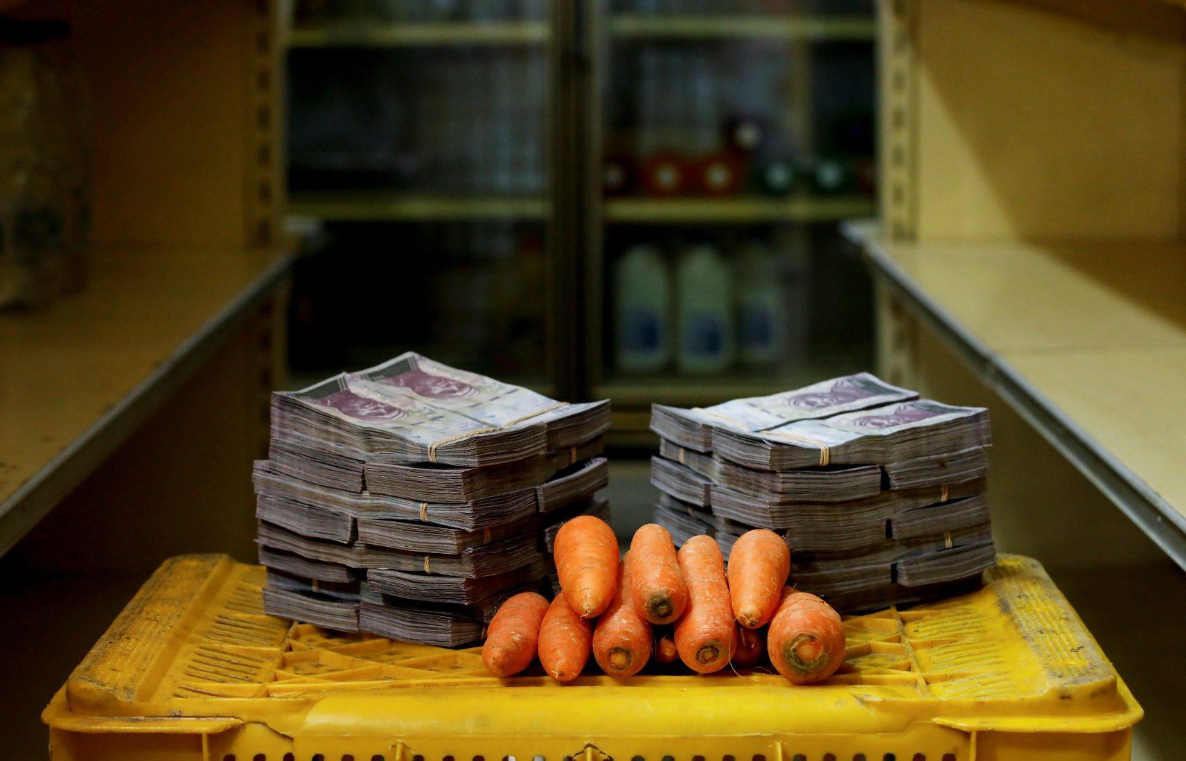 Za kilogram mrkve u Venezueli prošli je tjedan trebalo izdvojiti tri milijuna bolivara, što je značilo da je na tržnicu valjalo ponijeti ovu pozamašnu svotu novčanica