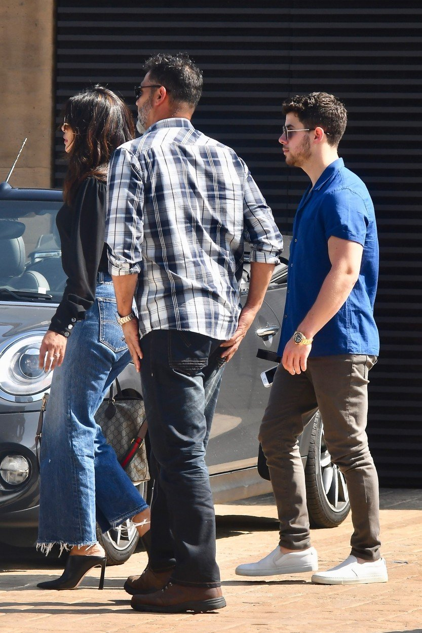 Malibu, CA  - *EXCLUSIVE*  - Newly engaged Nick Jonas and Priyanka Chopra spotted leaving Nobu after having Sunday brunch. The pair recently returned from Mumbai, where they they were officially engaged after a traditional Hindu roka ceremony.  Pictured: Nick Jonas, Priyanka Chopra  BACKGRID USA 26 AUGUST 2018, Image: 384095505, License: Rights-managed, Restrictions: , Model Release: no, Credit line: Profimedia, AKM-GSI