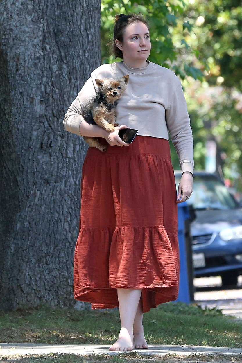 Exclusive, Los Angeles, CA - 20180712 -  Lena Dunham Gets a Visit From Ex-Boyfriend Jack Antonoff  -PICTURED: Lena Dunham -, Image: 377661788, License: Rights-managed, Restrictions: Exclusive, Model Release: no, Credit line: Profimedia, INSTAR Images