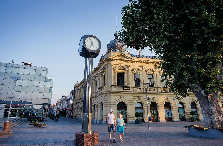 Vukovar, 19.08.2018. Vukovar Na fotografiji: Centar grada, pjesacka zona. Foto: Emica Elvedji / CROPIX