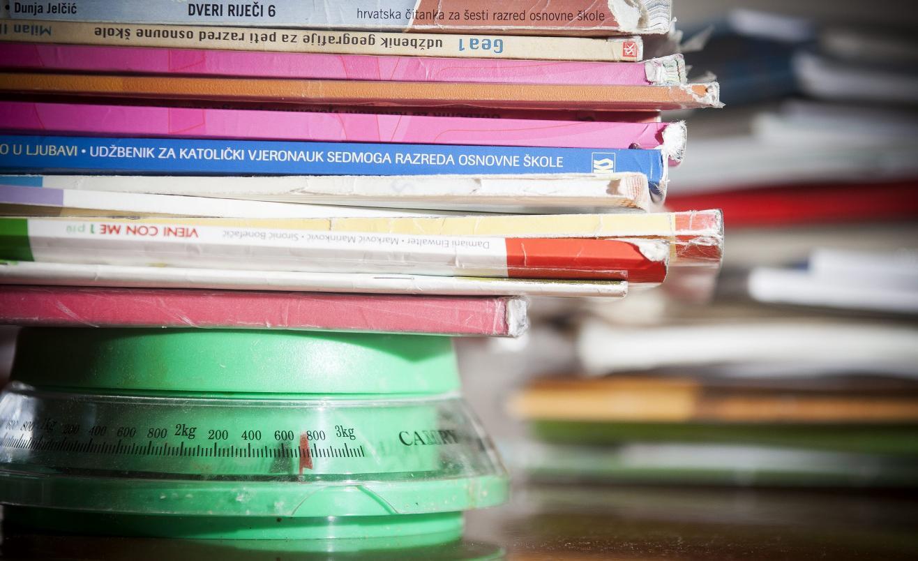 Školski udžbenici