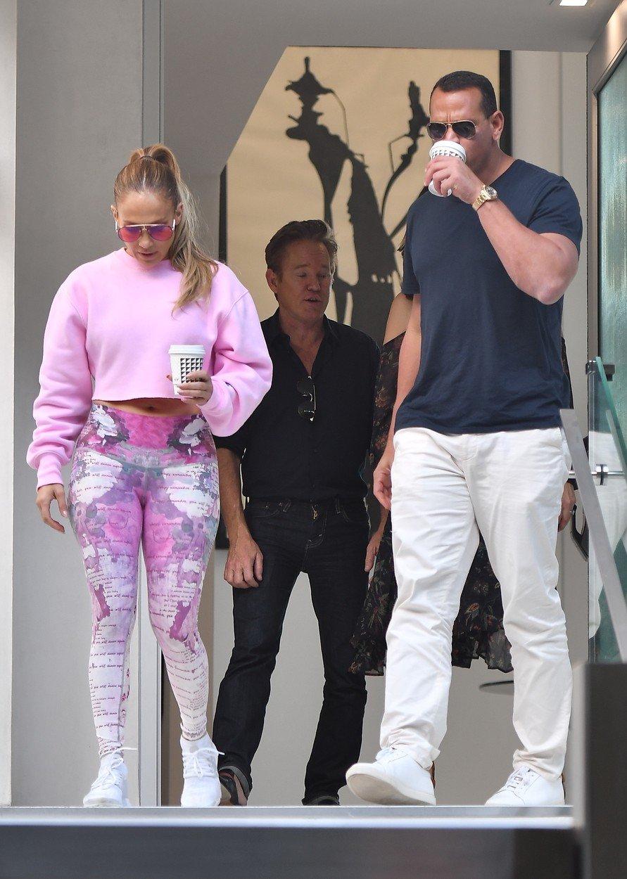 Jennifer Lopez annd Alex Rodriguez house hunting in Beverly Hills. 30 Sep 2018, Image: 384724334, License: Rights-managed, Restrictions: World Rights, Model Release: no, Credit line: Profimedia, Mega Agency