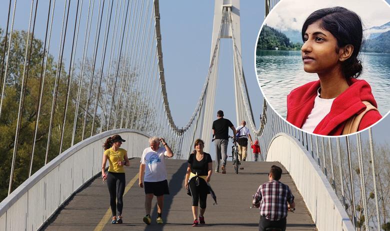 Osječki pješački most, u krugu: Komalah Selva