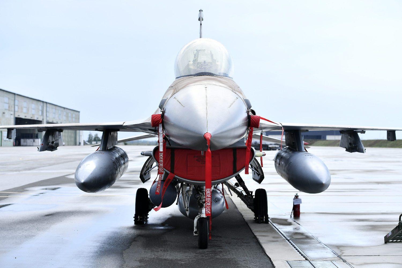Izraelski F16