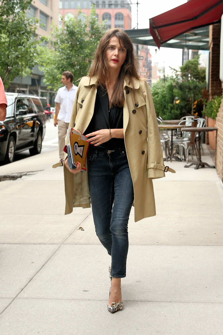 Actress Keri Russell, wearing a trench coat over her shoulders, arrives at the Greenwich Hotel in New York City, NY.  Pictured: Keri Russell Ref: SPL1513553 050617 NON-EXCLUSIVE Picture by: SplashNews.com  Splash News and Pictures Los Angeles: 310-821-2666 New York: 212-619-2666 London: 0207 644 7656 Milan: +39 02 4399 8577 Sydney: +61 02 9240 7700 photodesk@splashnews.com  World Rights