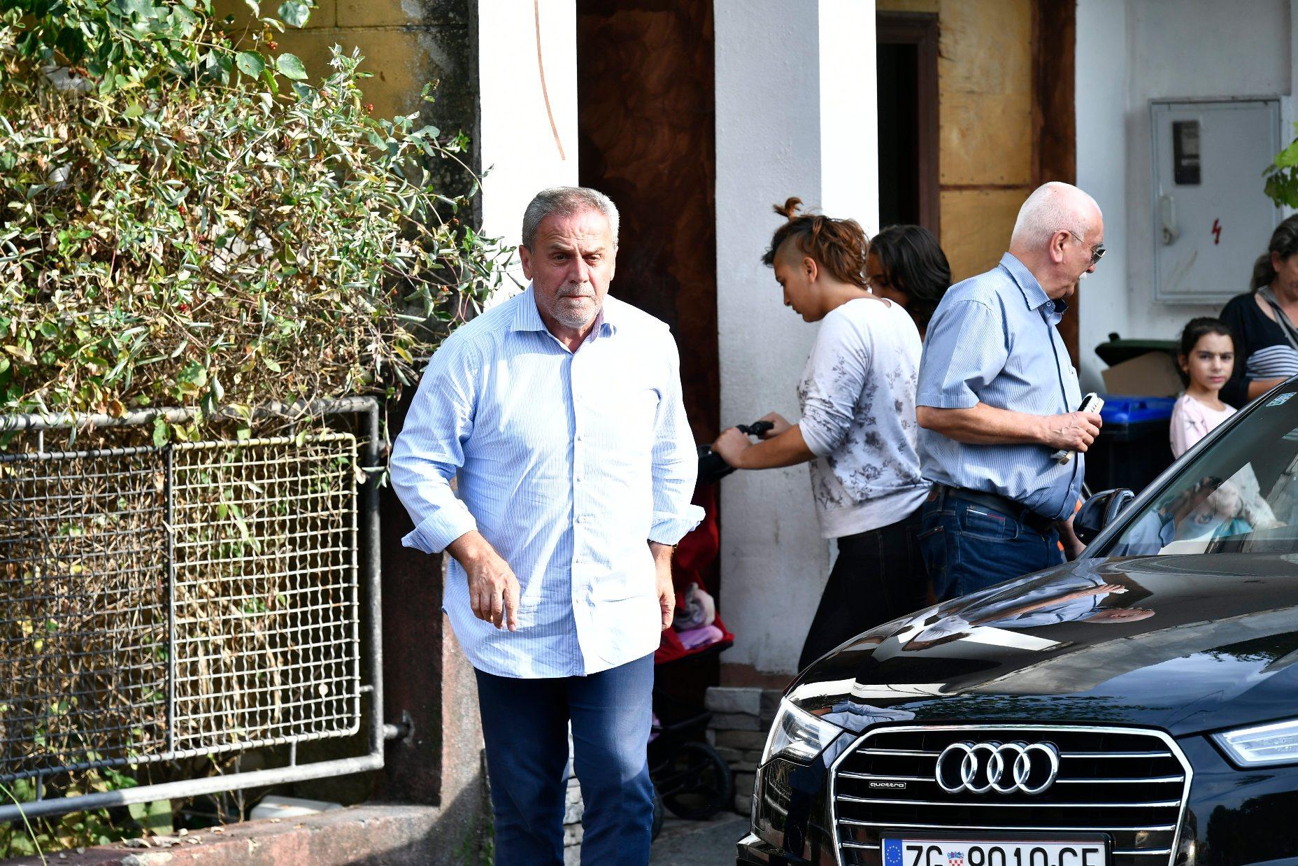 Zagrebački gradonačelnik Milan Bandić došao je među roditelje koji prosvjeduju