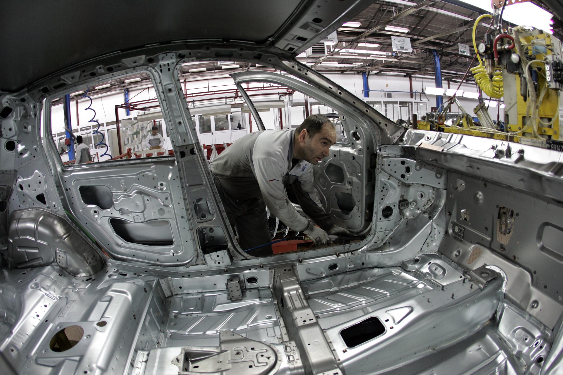 Radnik u Fiatovoj tvornici u Kragujevcu