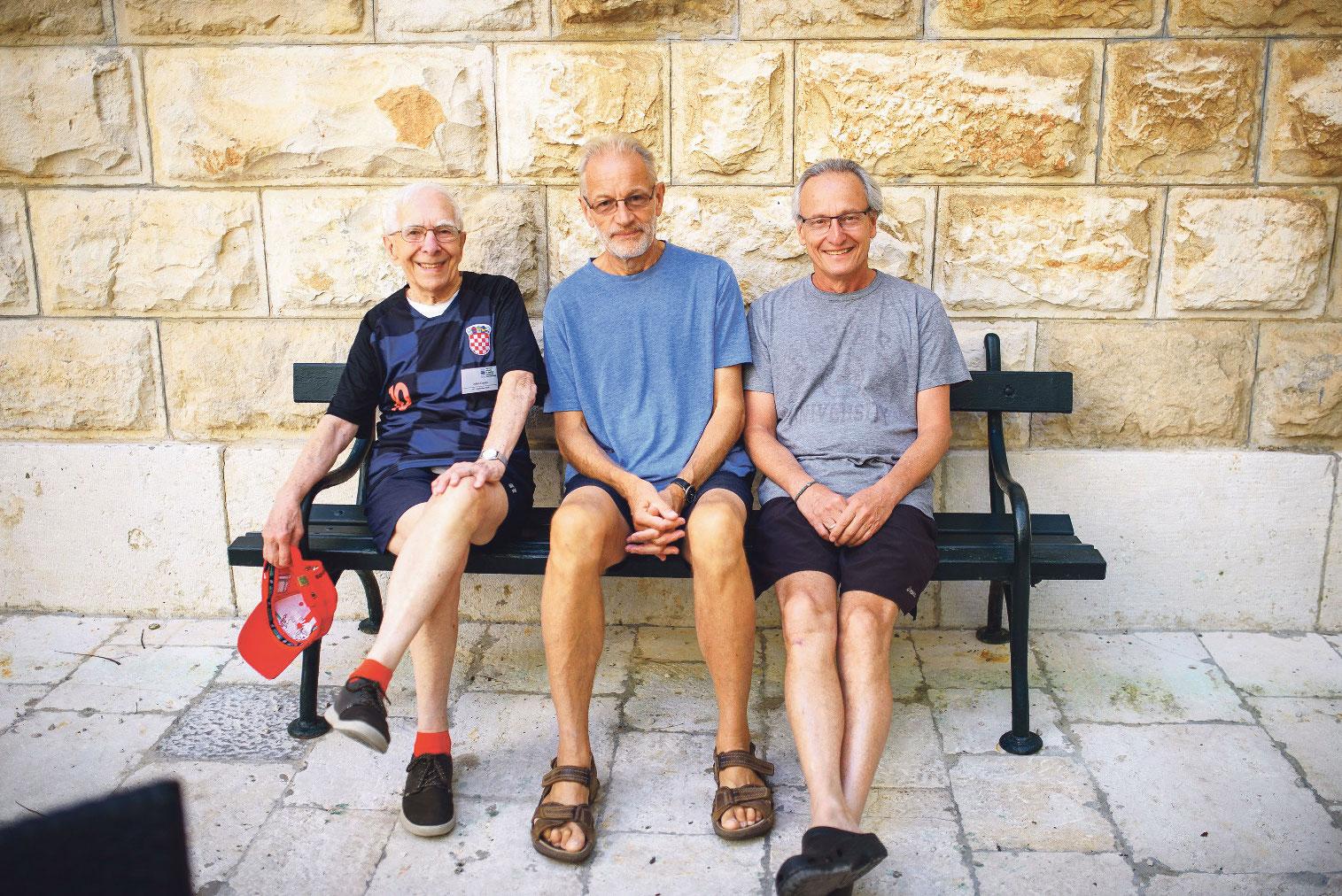 Profesori Julian Davies, Mervin Bibb i Roberto Kotler