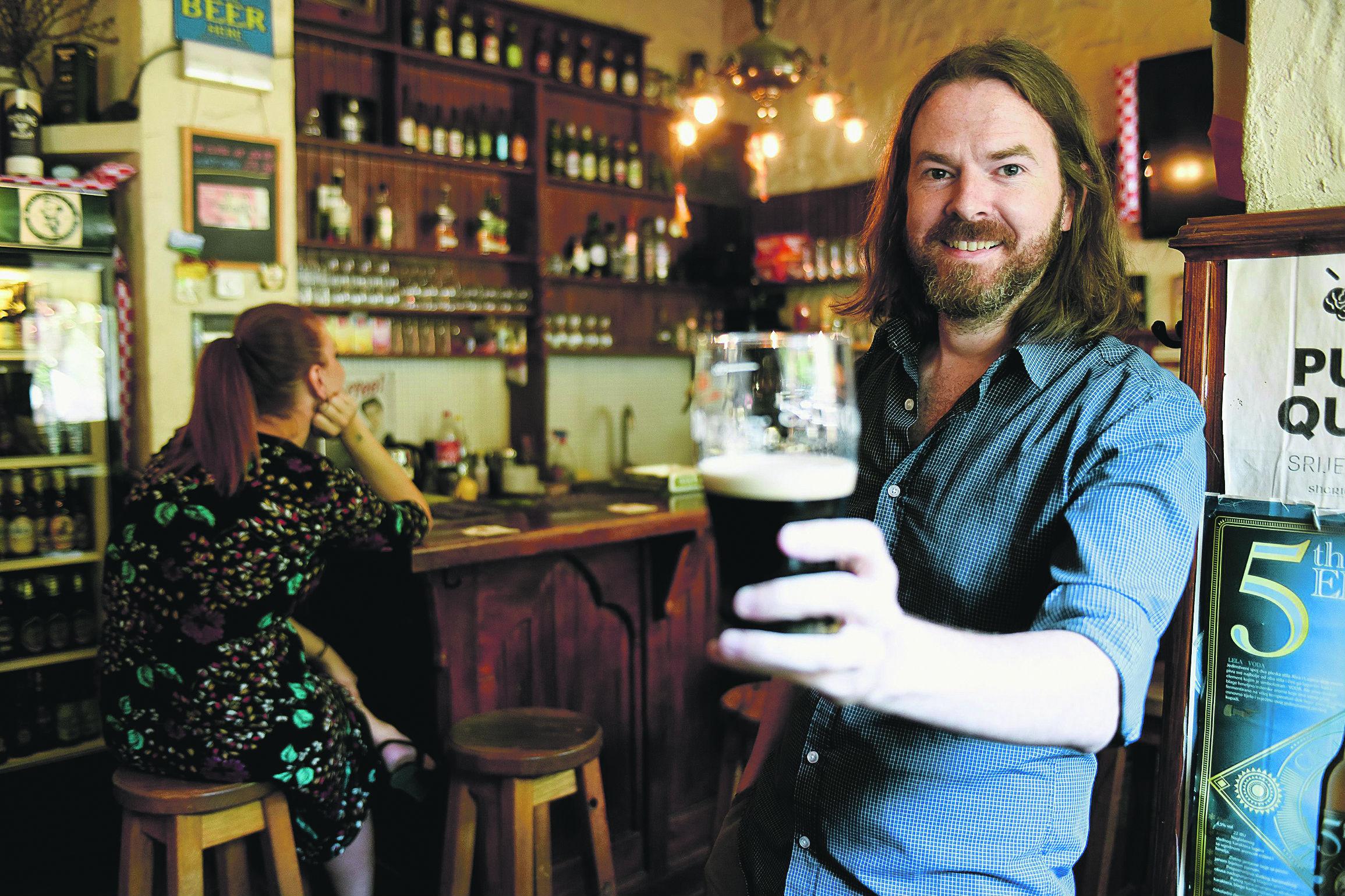 Adrian Sheridan vlasnik je irskog puba Sheridan's Irish Pub