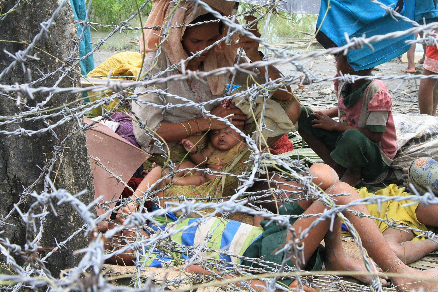 COX'S BAZAR, BANGLADESH - SEPTEMBER 07: Rohingya refugees from Myanmar Rakhine state gather at Myanmar-Bangladesh border on September 7, 2017 in Cox's Bazar, Bangladesh., Image: 348609406, License: Rights-managed, Restrictions: , Model Release: no, Credit line: Profimedia, Barcroft Media