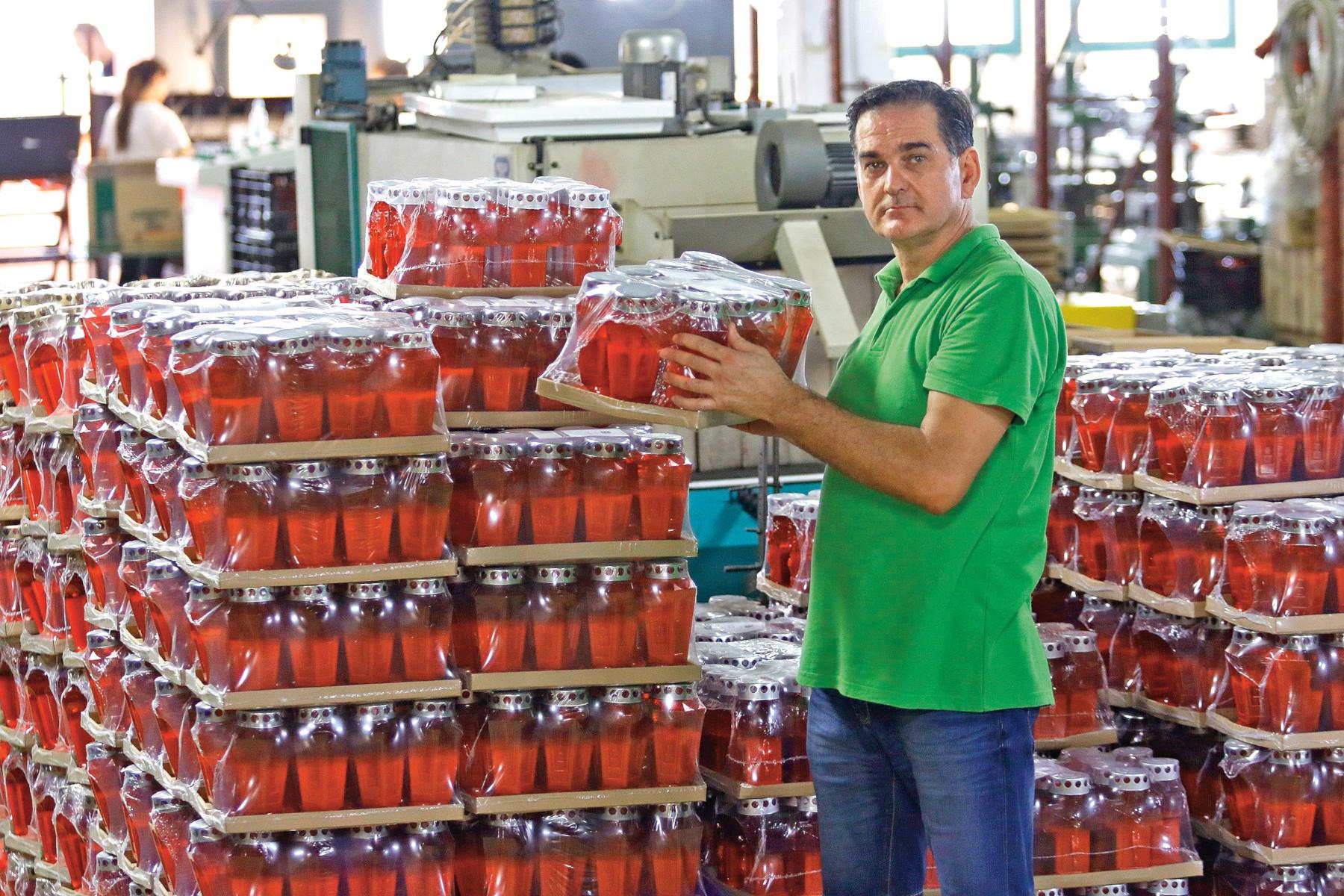 Vlasnik i direktor tvornice svijeca Renato Eljuga