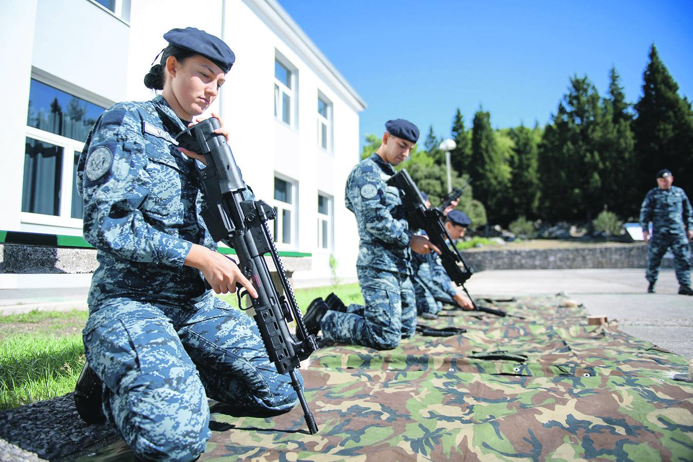 Ploce, 270918. Nova postrojba Hrvatske ratne mornarice, Satnija mornaricko-desantnog pjesastva nalazi se u vojarni 116. brigade HV u Plocama. Foto: Tonci Plazibat / CROPIX