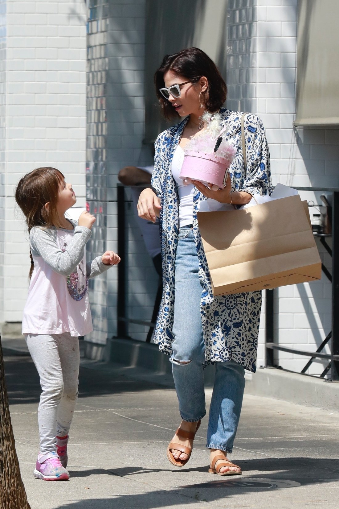 Studio City, CA  - *EXCLUSIVE*  - Jenna Dewan takes a day off from filming her TV show 'The Resident' to the Labor Day holiday and take her daughter Everly shopping in Studio City. The actress and dancer and ran into friends while out and stopped to pet their dog before hitting the stores.  Pictured: Jenna Dewan, Everly Tatum    *UK Clients - Pictures Containing Children Please Pixelate Face Prior To Publication*, Image: 385187102, License: Rights-managed, Restrictions: , Model Release: no, Credit line: Profimedia, AKM-GSI