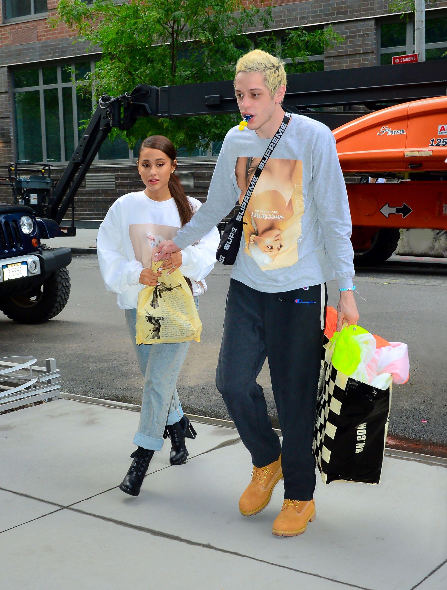Ariana i zaručnik