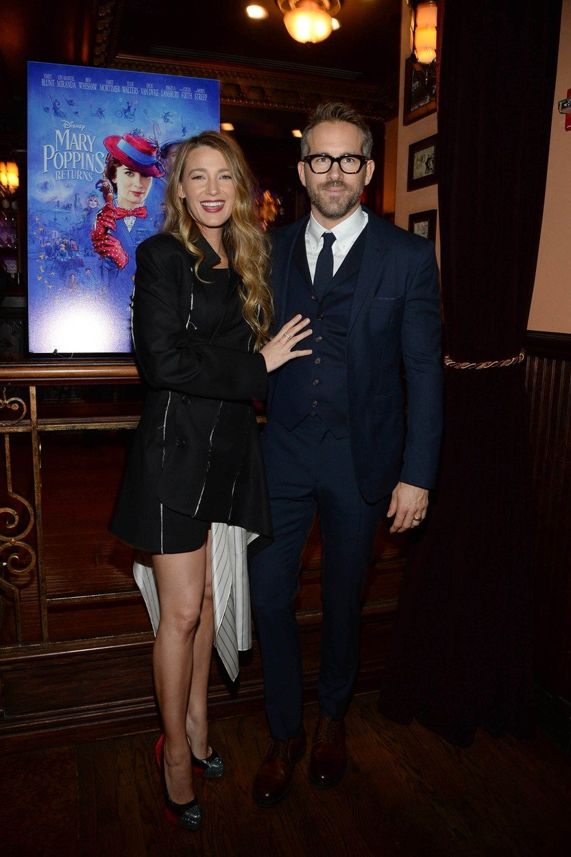 Exclusive-New York, NY - 01/10/2019 - Ryan Reynolds and Blake Lively hosted a Mary Poppins Returns reception in New York at Feinstein`s / 54 Below followed by a special screening of the movie which has been nominated for 4 Golden Globe Awards including Best Picture, 9 Critics` Choice Awards and AFI`s Top 10 Films of 2018, earlier tonight. The film`s star Emily Blunt, Rob Marshall (director), John DeLuca (producer), David Magee (screenwriter), Marc Shaiman (composer, songwriter/co-lyricist) and Scott Wittman (co-lyricist) joined the couple at the reception.  -PICTURED: Blake Lively,Ryan Reynolds -, Image: 406582842, License: Rights-managed, Restrictions: Exclusive, Model Release: no, Credit line: Profimedia, INSTAR Images