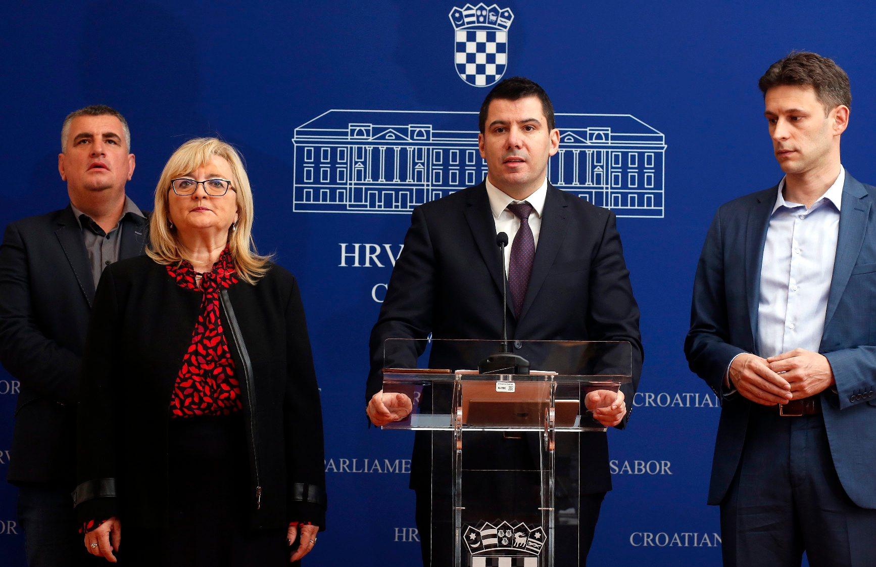 Na fotografiji: Miro Bulj, Ines Strenja Linić, Nikola Grmoja, Božo Petrov
