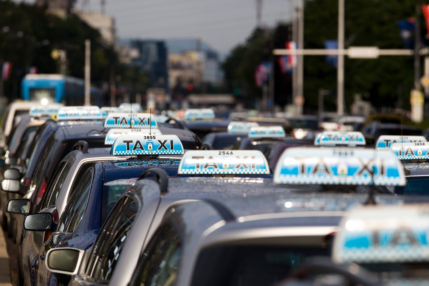 1548773799taxi_prosvjed15-210617
