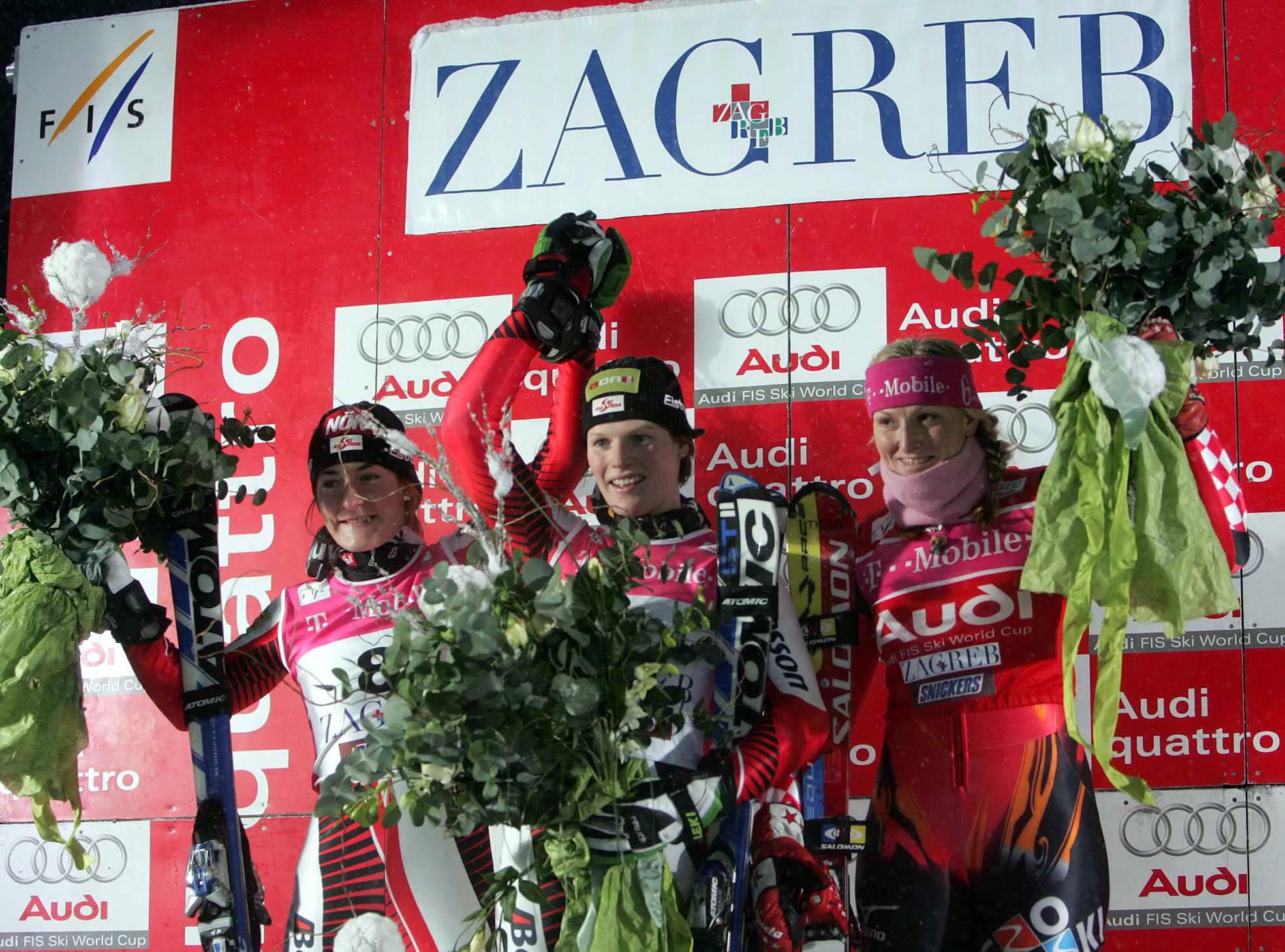 zagreb 050106 sljeme nocni slalom pobjednica schild marlies zettel kathrin i janica kostelic pobjednice foto tomislav serdar -spo- -desk-
