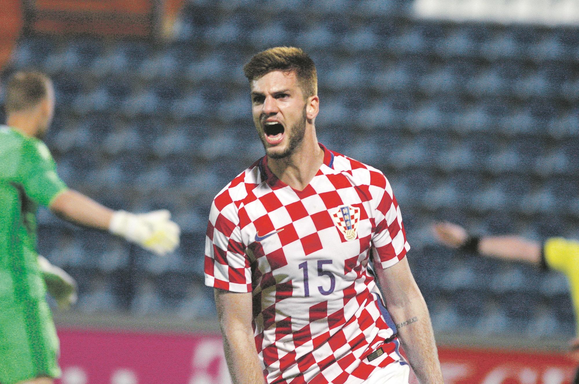 Varazdin, 051017. Na Gradskom stadionu igra se kvalifikacijska utakmica U21 reprezentacija za Euro izmedju Hrvatske i Bjelorusije. Na fotografiji: Lorenco Simic. Foto: Zeljko Hajdinjak / Cropix