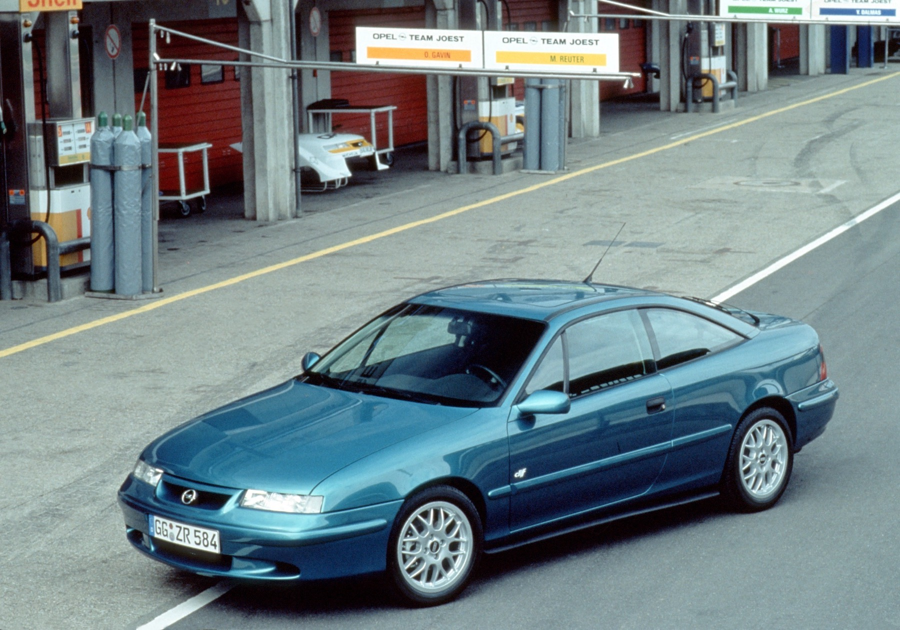 For real fans: Opel Calibra Cliff Motorsport Edition