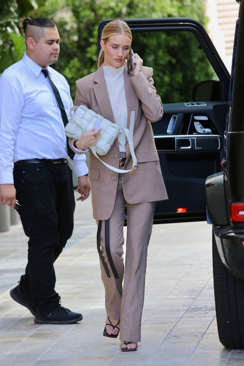 Beverly Hills, CA  - *EXCLUSIVE* Rosie Huntington-Whiteley looks ready for business arriving for a meeting at The Gores Group private equity firm in Beverly Hills.  *UK Clients - Pictures Containing Children Please Pixelate Face Prior To Publication*, Image: 475842092, License: Rights-managed, Restrictions: , Model Release: no, Credit line: BENS / BACKGRID / Backgrid USA / Profimedia