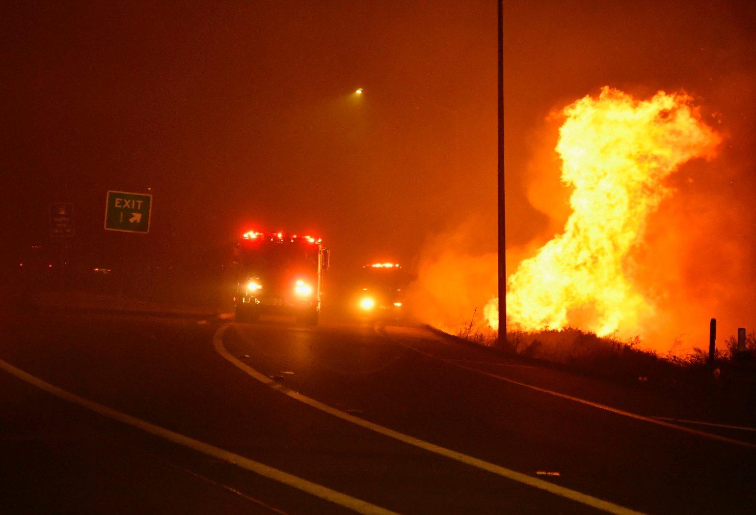 2019-10-11T064219Z_1833275886_RC131D7B30B0_RTRMADP_3_CALIFORNIA-FIRES