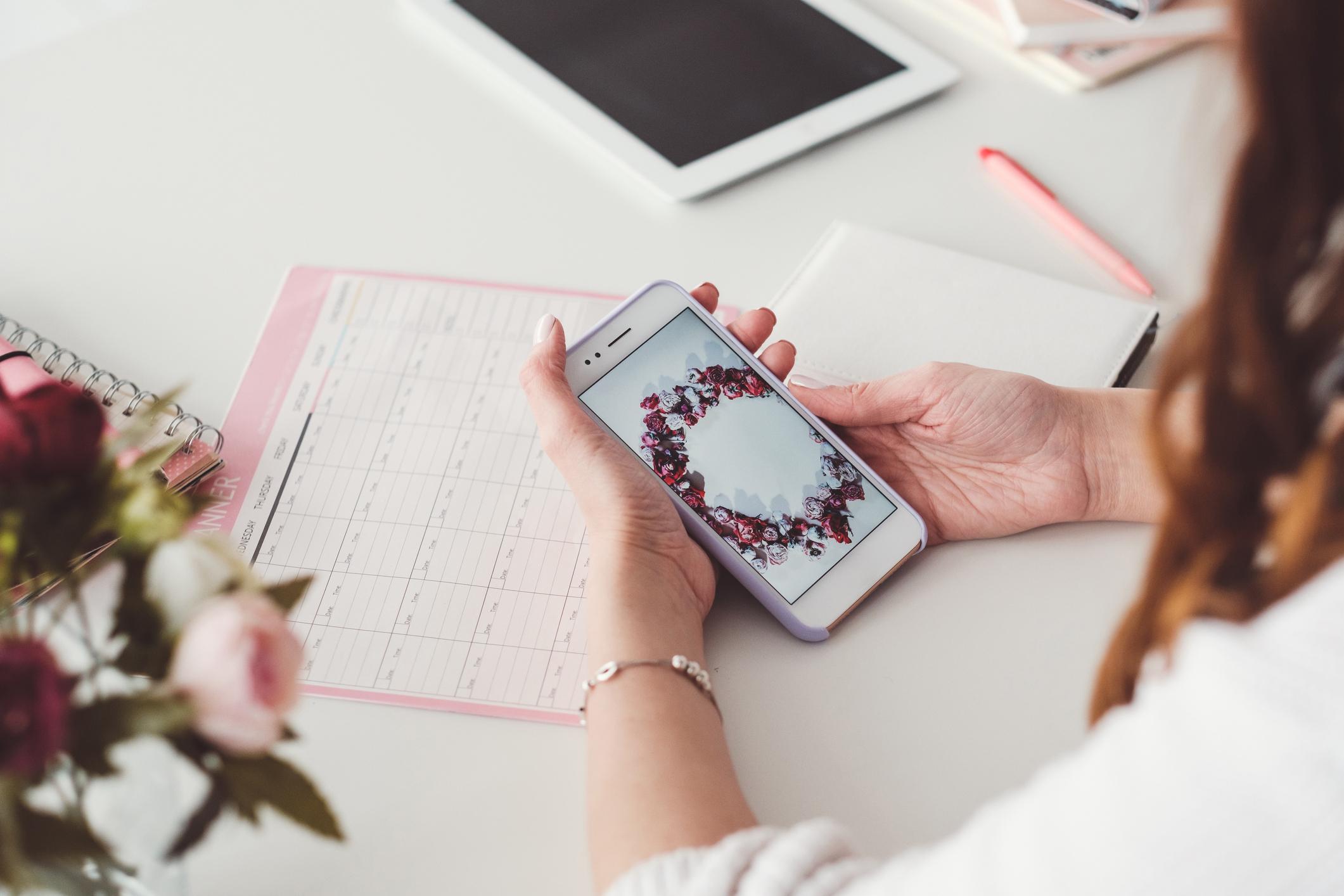 Mobiteli odvlače pažnju na radnom mjestu, stručnjaci savjetuju kako to spriječiti.