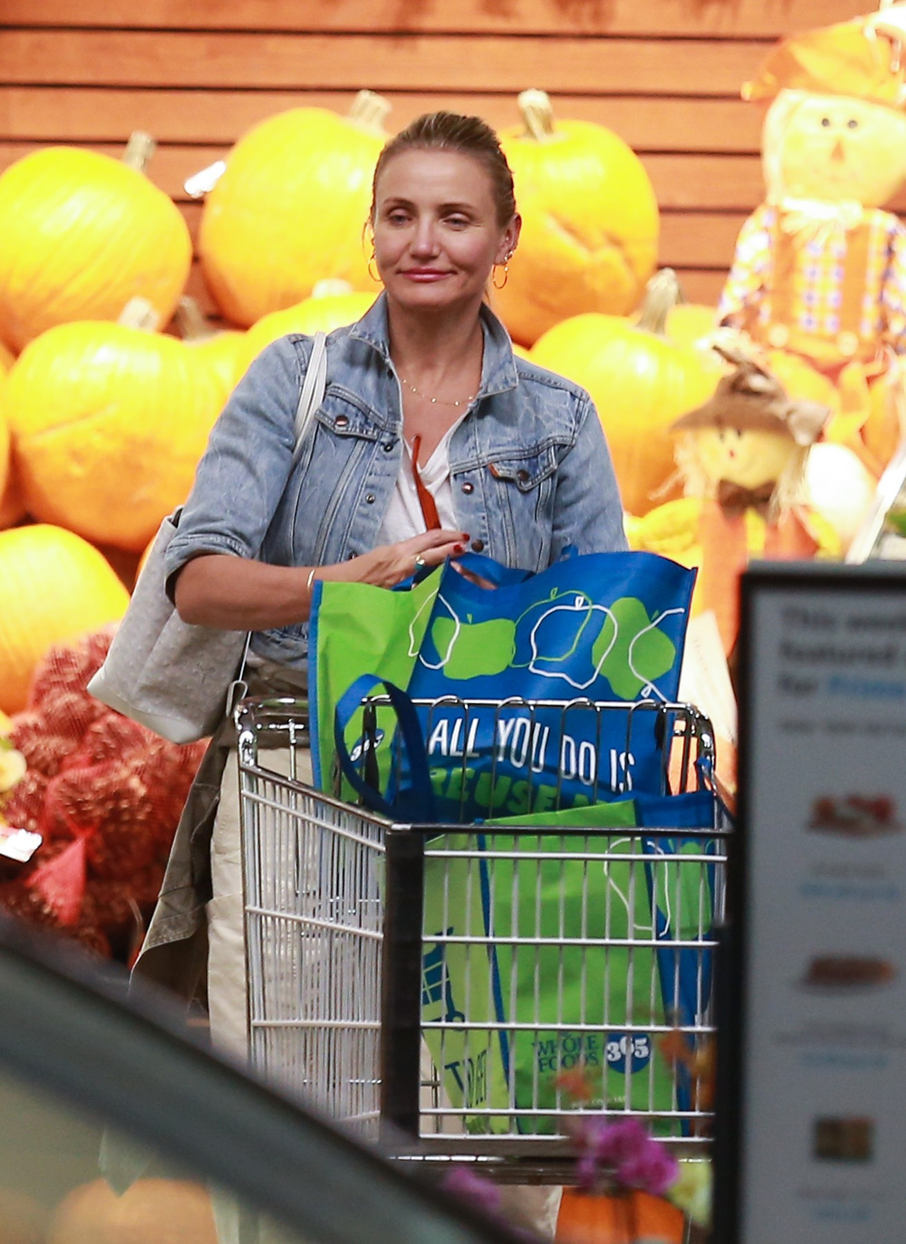 10/11/2019 EXCLUSIVE: Cameron Diaz is Spotted Shopping at Whole Foods in Beverly Hills, California. The 47 year old actress wore a white t-shirt, denim jacket, baggy pants, sandals, and carried a white Goyard tote bag.     **VIDEO AVAILABLE**, Image: 476266687, License: Rights-managed, Restrictions: Exclusive NO usage without agreed price and terms. Please contact sales@theimagedirect.com, Model Release: no, Credit line: TheImageDirect.com / The Image Direct / Profimedia