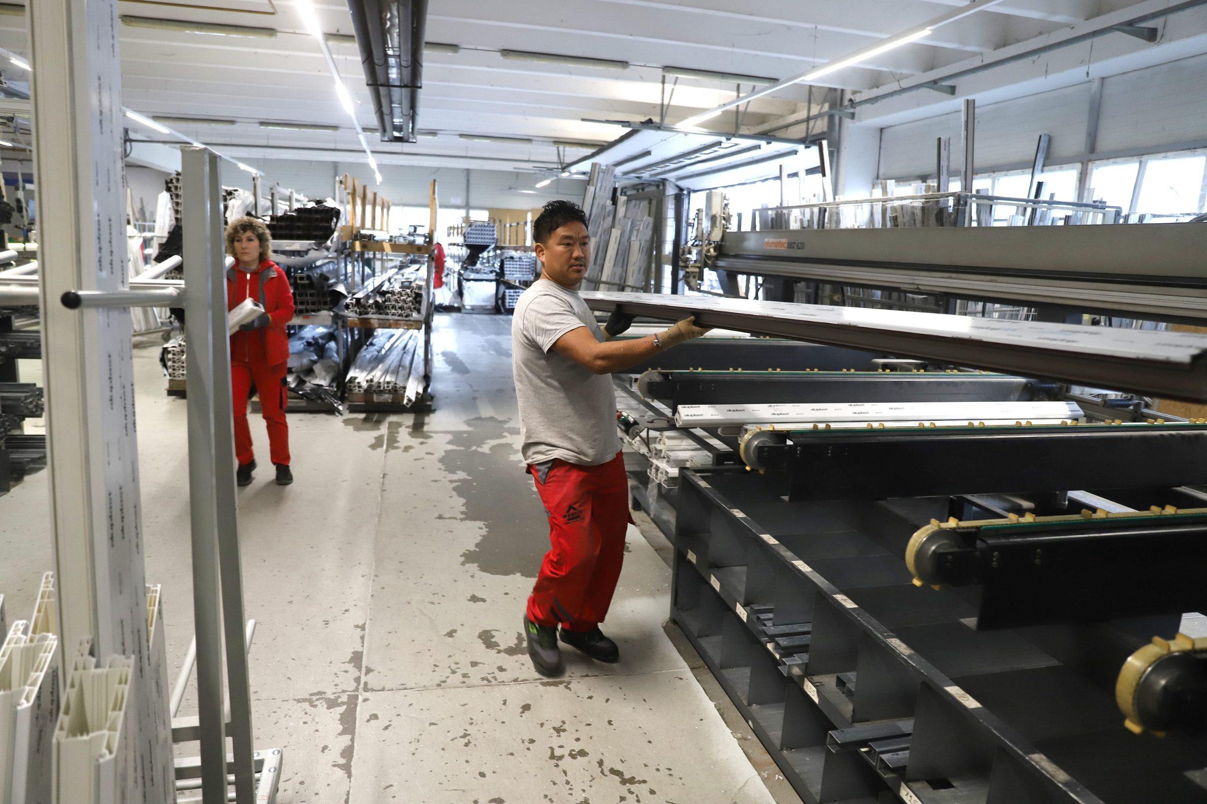Radnici iz Nepala u tvrtki Marlex