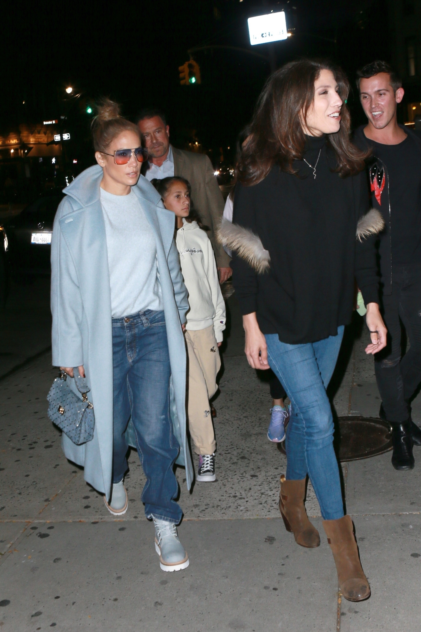 New York, NY  - Jennifer Lopez heads to Cipriani with her sister and kids for some dinner. The singer and actress looked great in a light blue coat and jeans.  BACKGRID USA 12 OCTOBER 2019, Image: 476420332, License: Rights-managed, Restrictions: , Model Release: no, Credit line: T.JACKSON / BACKGRID / Backgrid USA / Profimedia