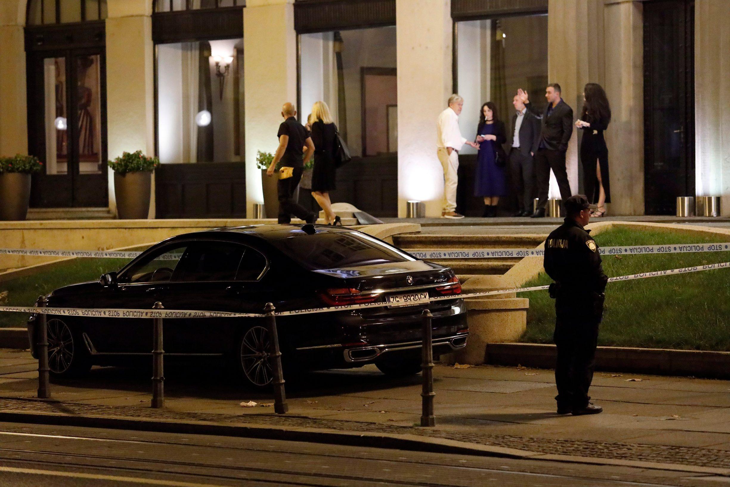 Zagreb, 121019. Antuna Mihanovica. Pred Hotelom Esplanade sinoc je pretucen Hrvoje Petrac. Na fotografiji: ocevid. Foto: Tomislav Kristo / CROPIX