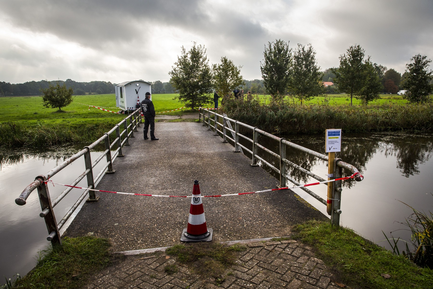2019-10-16 13:05:11 Police are investigating a farm on the Buitenhuizerweg where a father and six children have been living in the basement for years, waiting for the end of time, 16 October 2019. ANP VINCENT JANNINK, Image: 477176254, License: Rights-managed, Restrictions: , Model Release: no, Credit line: VINCENT JANNINK / AFP / Profimedia