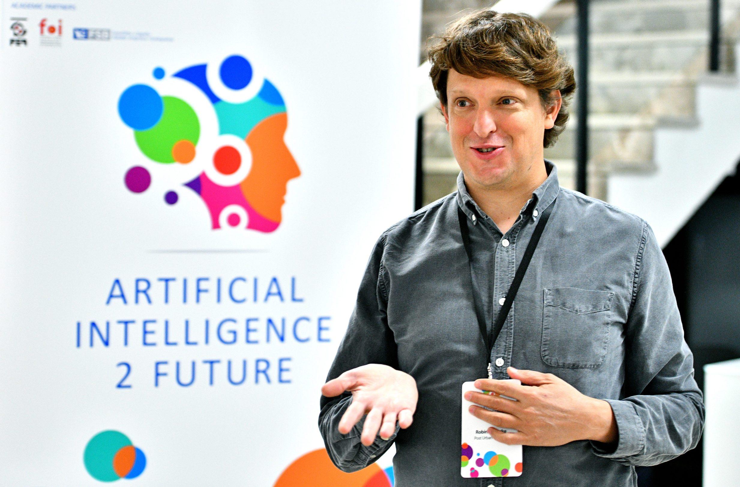 Zagreb, 111019. Kras auditorium. Intervju Luke Robinson, akademski strucnjak i znanstvenik na podrucju Eticke umjetne inteligencije. Foto: Srdjan Vrancic / CROPIX