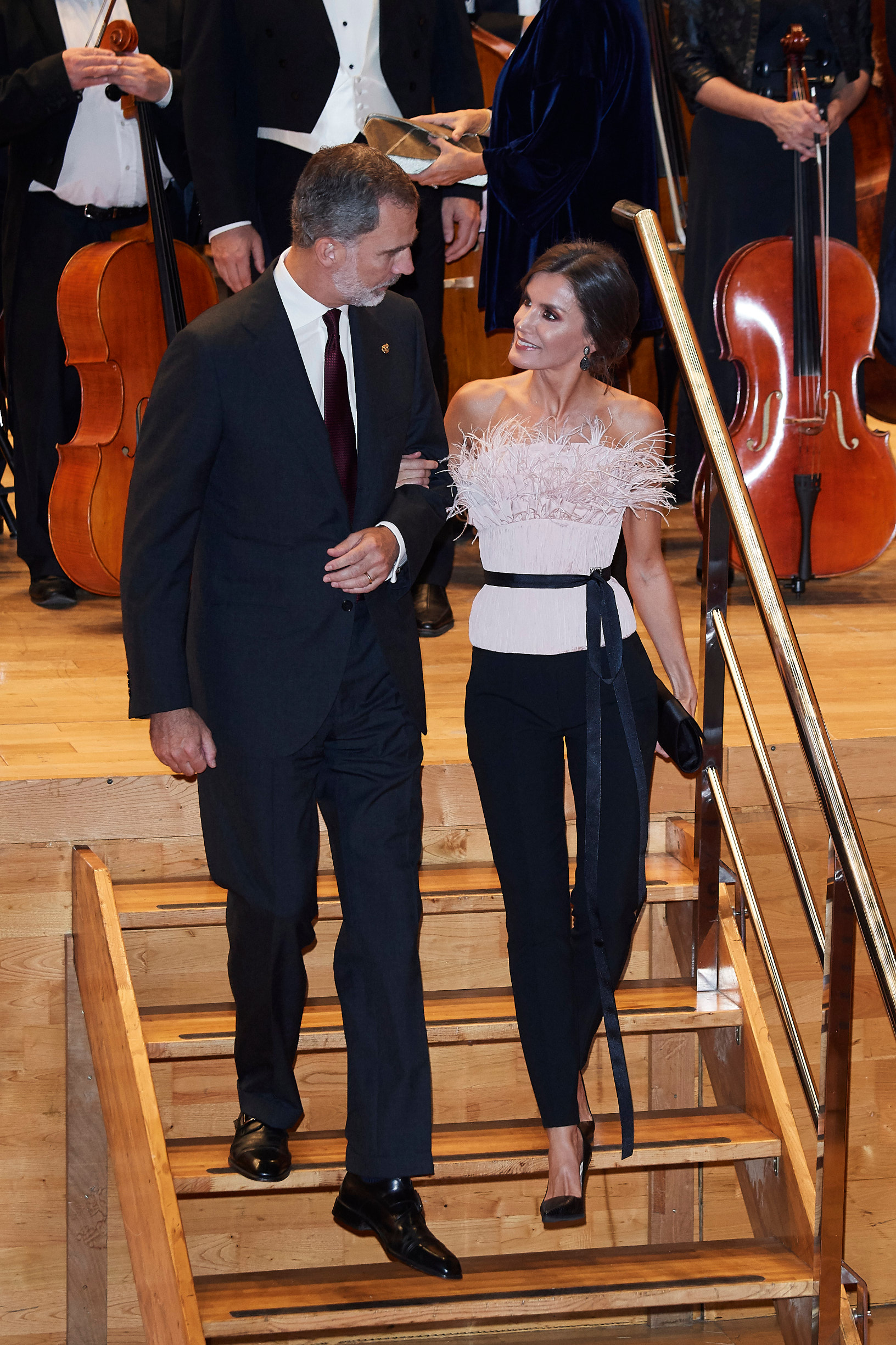 OVIEDO, SPAIN - OCTOBER 17: King Felipe VI of Spain and Queen Letizia of Spain attend the 28th Princess of Asturias Awards Concert at Prince Felipe Auditorium during the 'Princess of Asturias Awards 2019' on October 17, 2019 in Oviedo, Spain. (Photo by Carlos Alvarez/Getty Images )