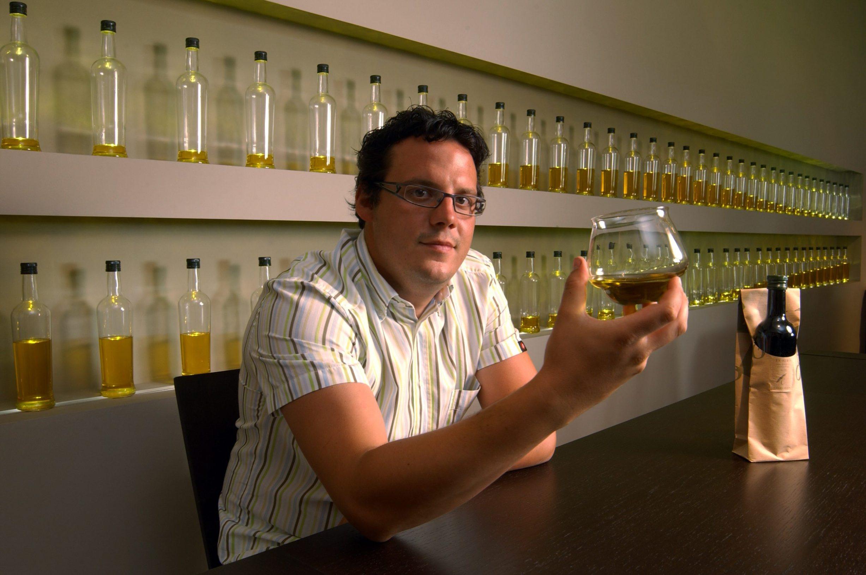 Sandi Chiavalon u svojoj kušaonici maslinovog ulja