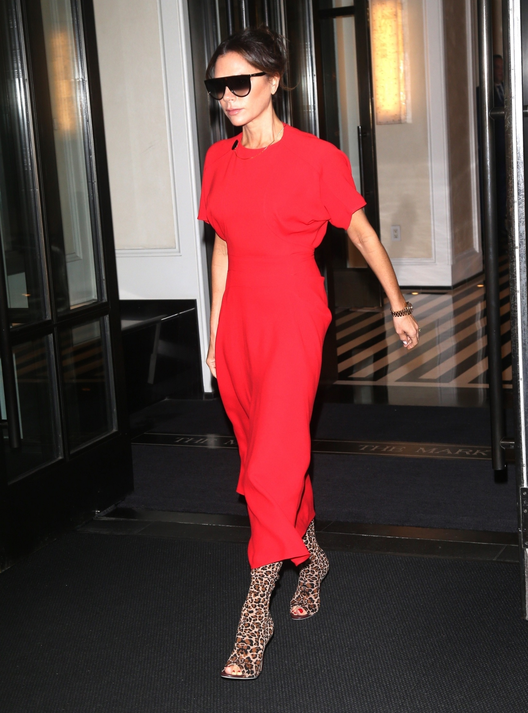 New York, NY  - Victoria Beckham is seen leaving her hotel after spending the previous day promoting her new makeup line.  *UK Clients - Pictures Containing Children Please Pixelate Face Prior To Publication*, Image: 477177234, License: Rights-managed, Restrictions: , Model Release: no, Credit line: DARA / BACKGRID / Backgrid USA / Profimedia